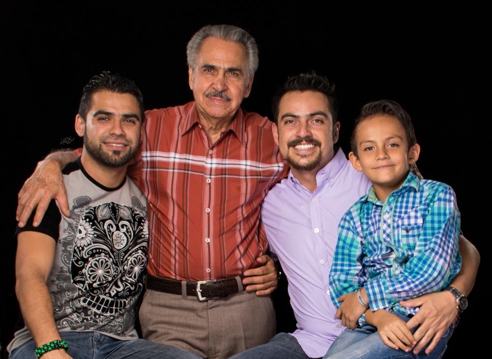 papa_hijos_abuelo_nieto